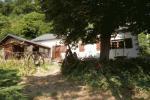 référence n° 111222843 : Menat - Jolie ensemble de deux maisons dans un coin de verdure....