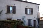 référence n° 131357313 : Bourganeuf - Dans Bourganeuf et proche de tous commerces, maison individuelle de deux chambres avec jardin. L'espace...