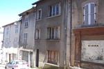 référence n° 140164557 : Bourganeuf - PETIT PRIX ! Maison située en plein coeur de Bourganeuf, proche de toutes commodités. Cette maison...