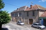 référence n° 142681622 : Bourganeuf - Propriété composée d'une grande maison de ville, d'une maison à rénover, de dépendances et d'un...