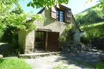 référence n° 175915582 : Gazost - à l'entrée du village de Gazost, ancienne bergerie aménagée sur un vaste terrain de 18 900 m². Un...