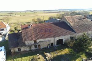 référence n° 185308186 : Oigney - Oigney (70), charmante maison en pierre, 6 pièces, terrain de 2000 m2